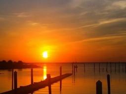 Orange ya glad we live in such a beautiful place! Good morning Pensacola, stay beautiful!  #pensacolaflorida #sunrise_and_sunsets #sunriseporn #sunrise #mornings #fishhousepensacola #atlas #upsideofflorida