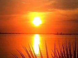 Good morning Pensacola! Have a great week!  #fishhousepensacola #atlas #deckbar #pensacola #pensacolasunrise #sunrise #sunrise_sunsets_aroundworld #subrises #morning #upsideofflorida #upsideofpensacola #florida#floridasunrise