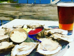 Happy Monday! Come see us to get your first dozen raw Oyster's for 25 cents each at Atlas tonight!!!